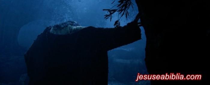 Deus envia Consolo e Força Para Jesus no Getsêmani