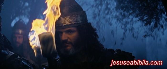 Guardas prestes a prender Jesus no Getsêmani