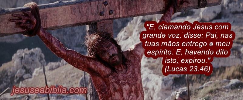 Jesus na Cruz Entrega Seu Espírito ao Pai